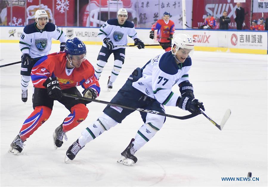 (SP)CHINA-CHANGCHUN-ICE HOCKEY-SILK ROAD SUPREME HOCKEY LEAGUE-TSEN TOU VS UGRA