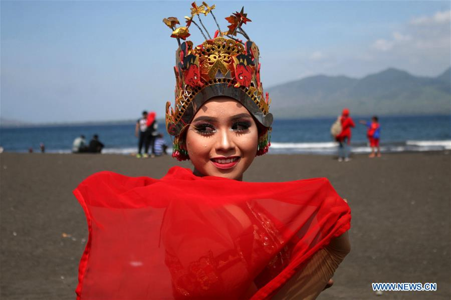 INDONESIA-BANYUWANGI-MASS DANCE-GANDRUNG SEWU