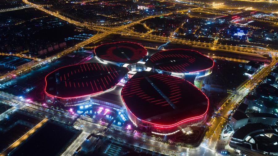 Xinhua Headlines: China ready to host world's 1st import expo