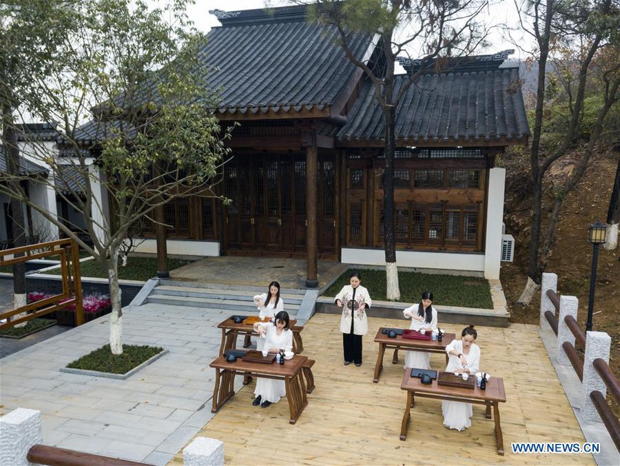 文化研讨会为中国江苏的学生提供传统技能