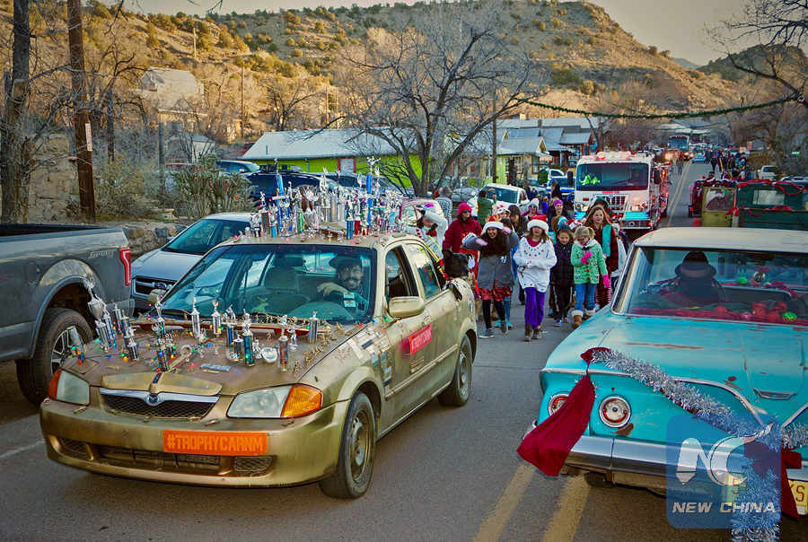 Feature Christmas Parade In New Mexico Ghost Town Xinhua English News Cn
