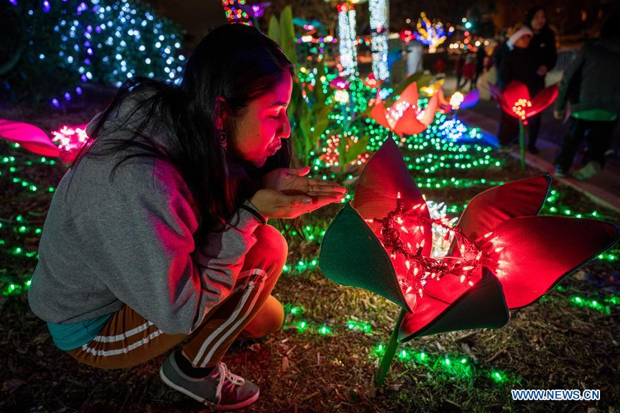 Christmas In Los Angeles.Christmas Themed Light Show Held In Los Angeles Xinhua