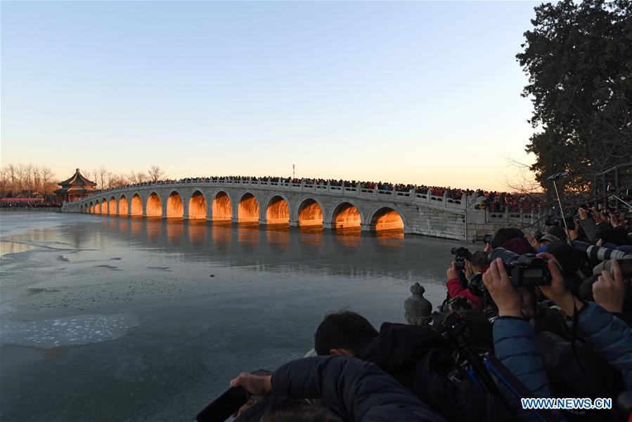 颐和园日落风景在北京