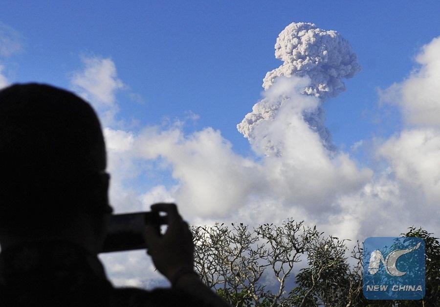 Agung Volcano On Indonesia S Bali Island Erupts Again Xinhua