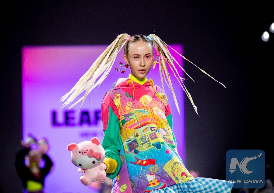 Spotlight Chinese Designers Spring Up In Global Fashion Arena Xinhua English News Cn