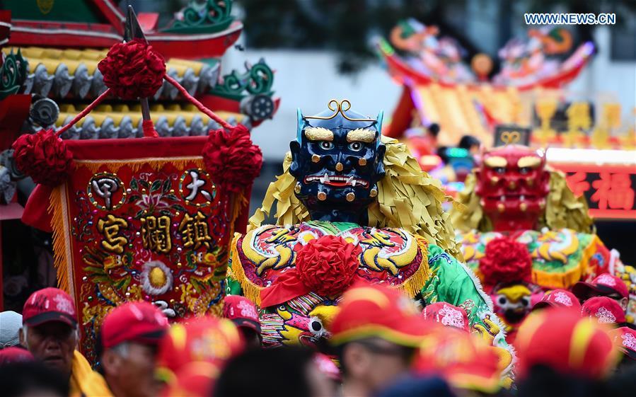 海上女神妈祖的盛大祈祷仪式在中国东南部