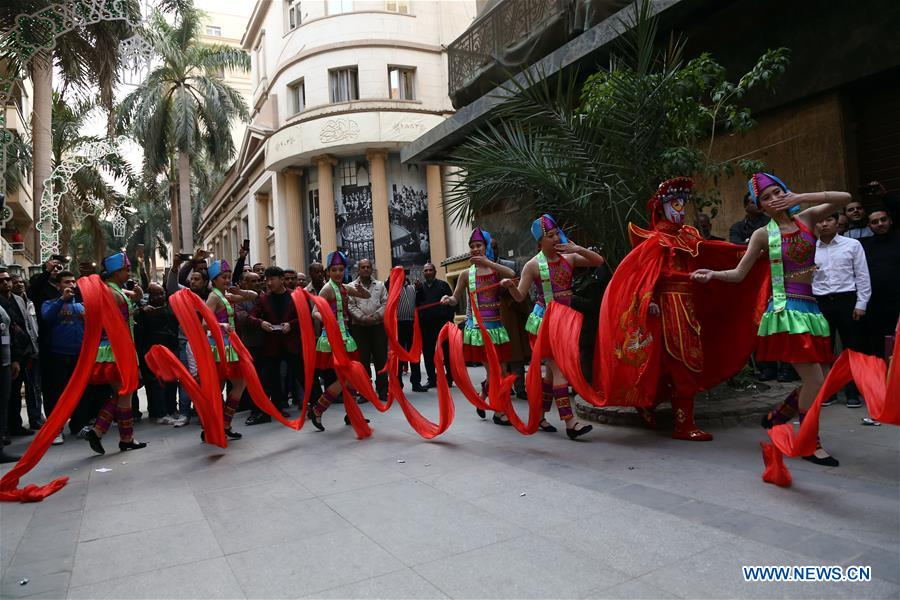 EGYTP-CAIRO-PERFORMANCE-CHINA-DISABLED ART TROUPE