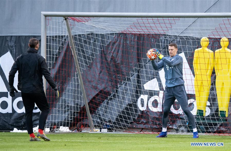 Bayern, Liverpool players attend press conference, training