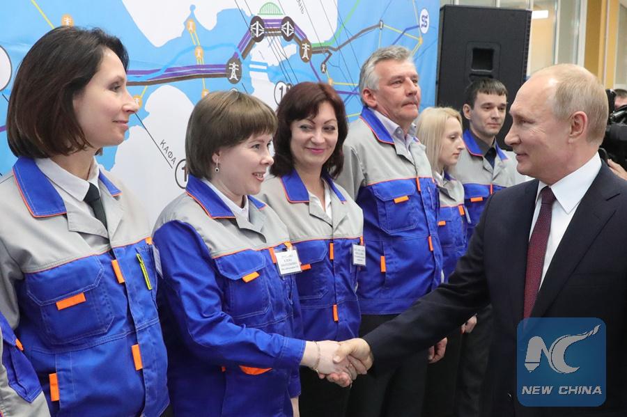 Putin blesses full capacity work of 2 Crimea power plants