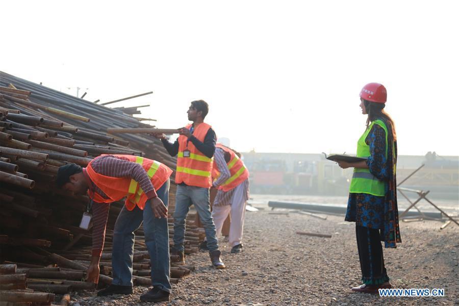 Xinhua Headlines: China-Pakistan Economic Corridor promises better future for Pakistan's women workers - Xinhua