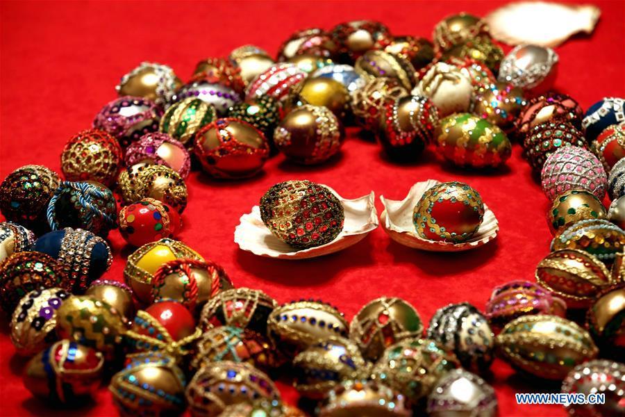 Easter egg decoration artist Vera Trojan shows works in Sibenik