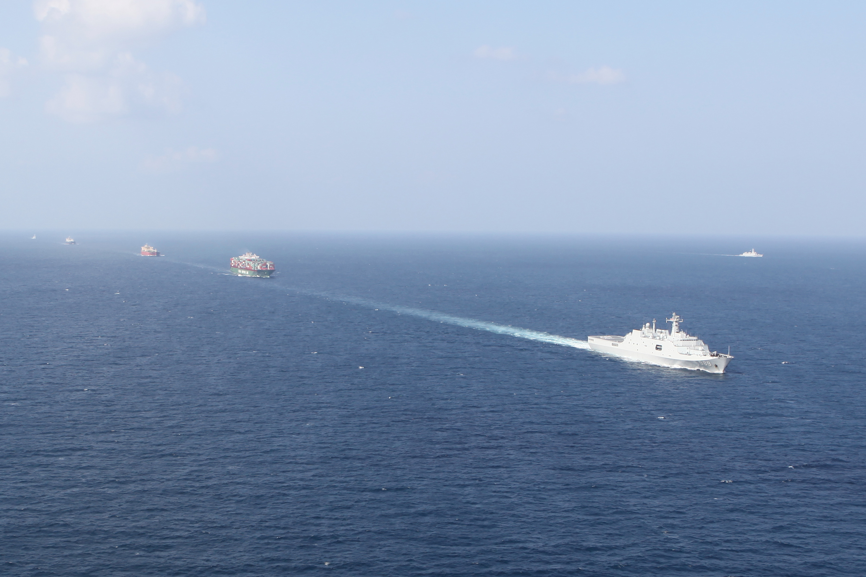 (Multimedia) Chinese naval fleets escort over 6,600 vessels in Gulf of Aden, Somalia over past 10 years - Xinhua