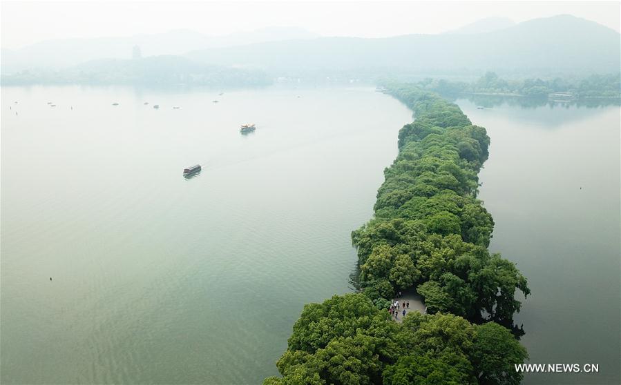 CHINA-ZHEJIANG-HANGZHOU-WEST LAKE-SCENERY (CN)