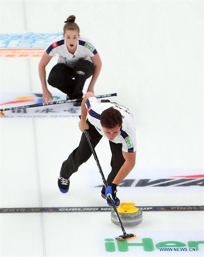 (SP)CHINA-BEIJING-CURLING-WCF WORLD CUP GRAND FINAL-DAY 4(CN)