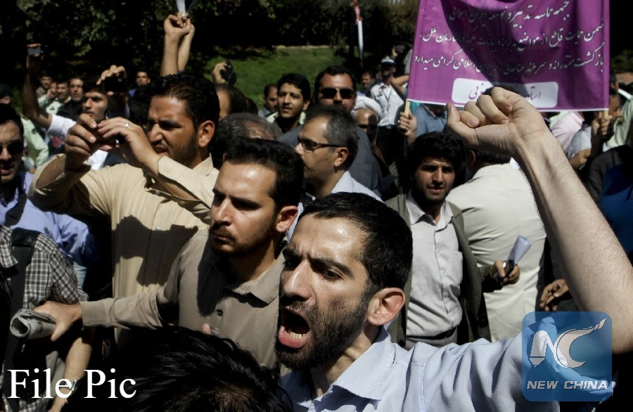 France warns Lebanon's Hezbollah away from possible Iran-U.S. war