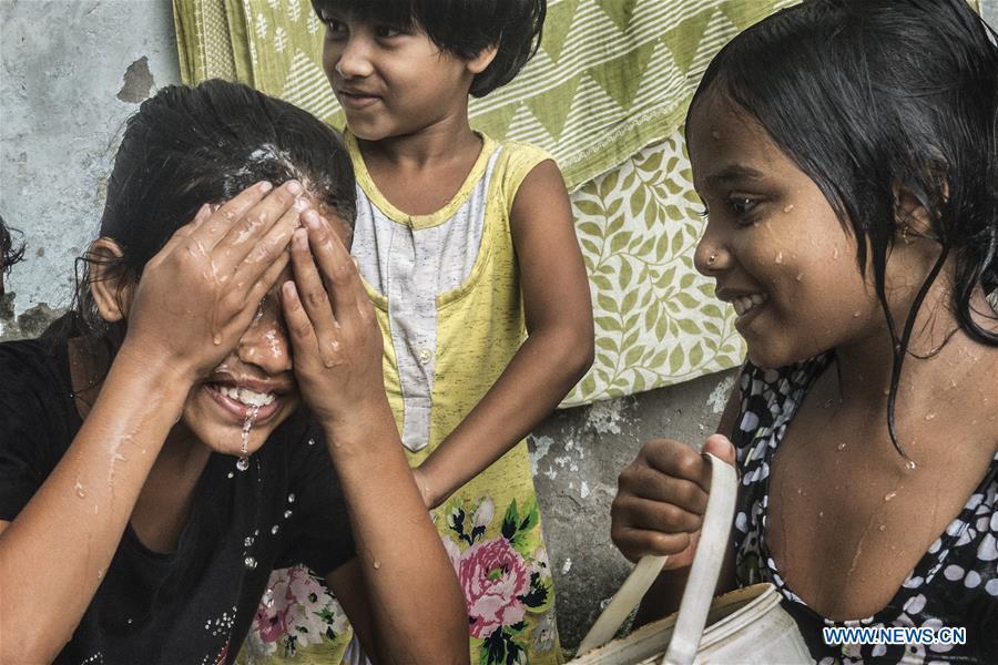 INDIA-KOLKATA-HEAT RELIEF