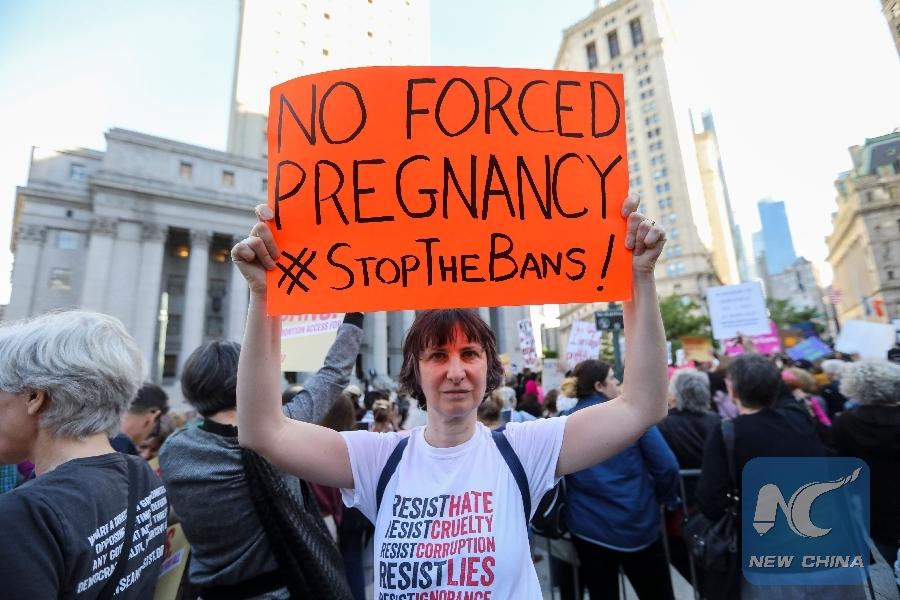 U.S. federal judge blocks Mississippi abortion law
