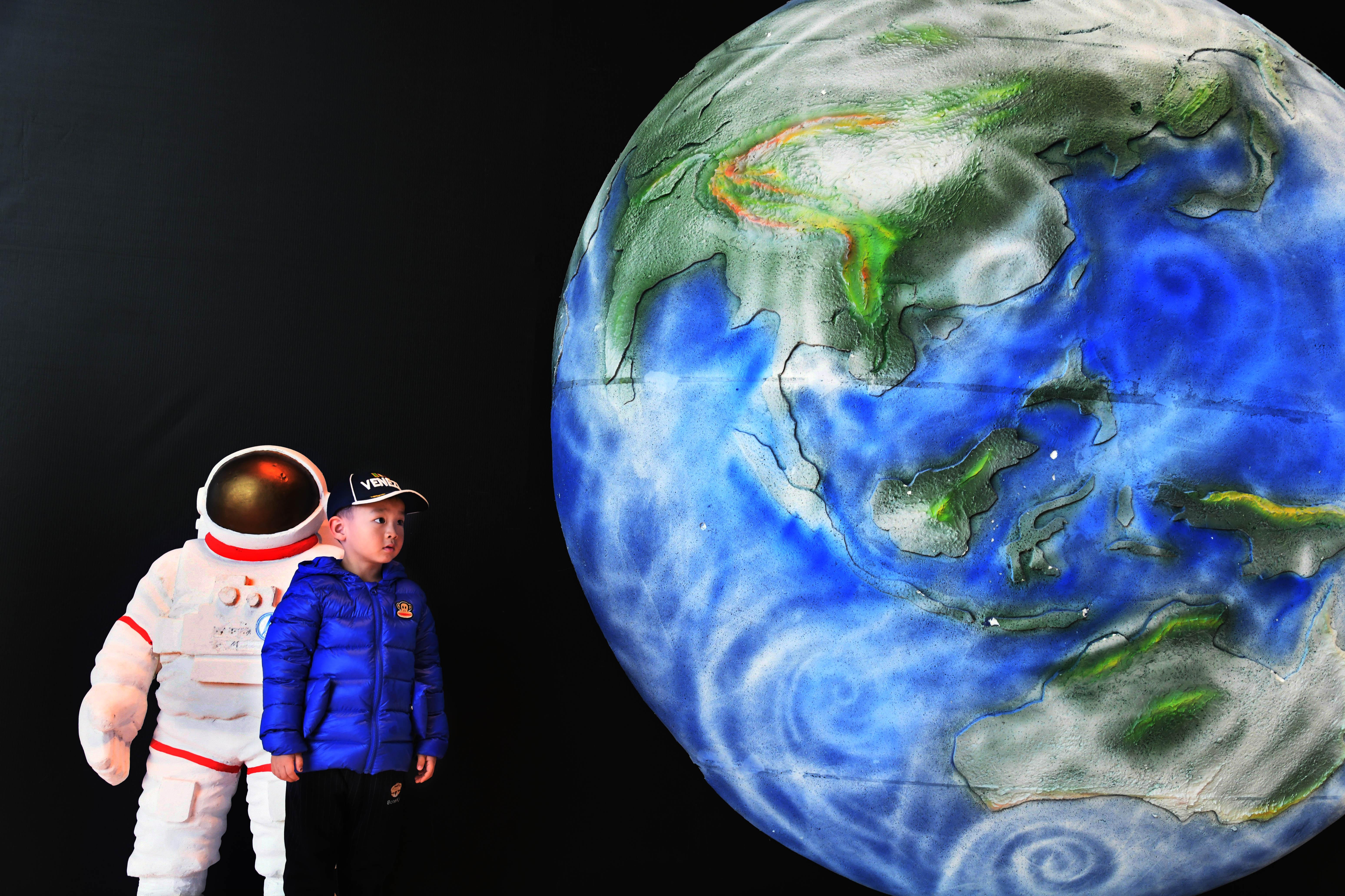 Multimedia) China Focus: Sci-fi genre to inspire next