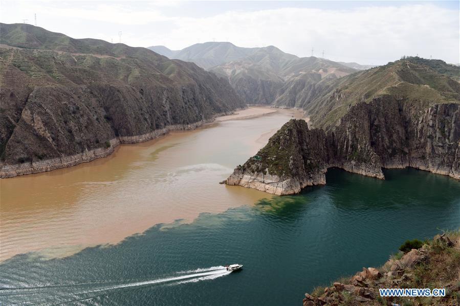 CHINA-GANSU-YONGJING-LIUJIAXIA RESERVOIR-SCENERY (CN)