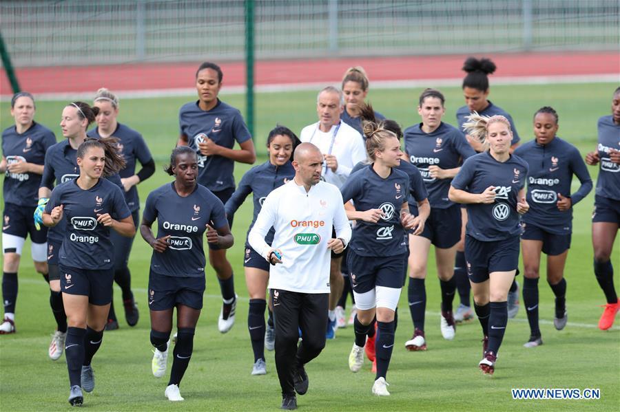 (SP)FRANCE-PARIS-2019 FIFA女子世界杯 - 中国训练会
