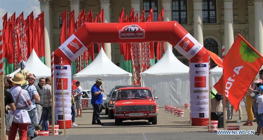 白俄罗斯 - 明斯克 - 复古汽车