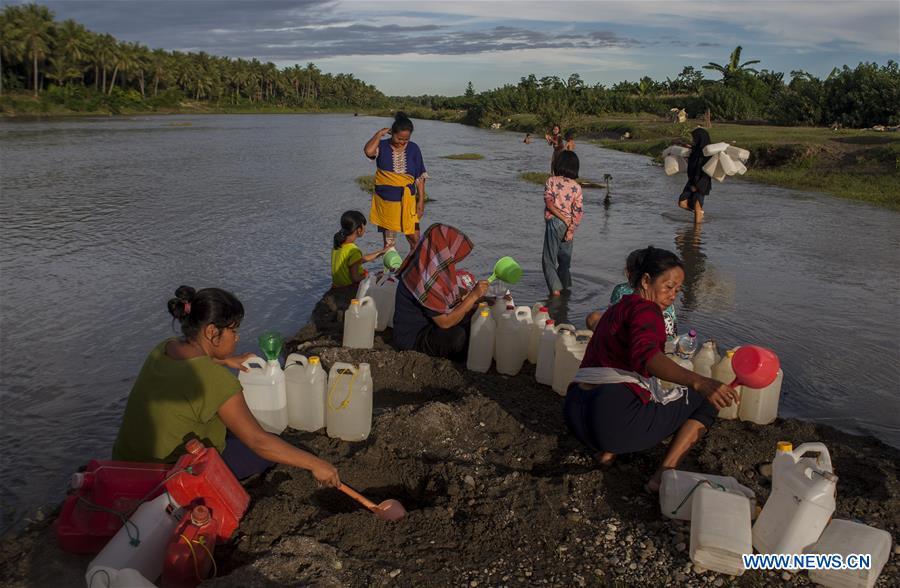 印度尼西亚 - 西苏拉维斯 - 日常生活 - 水