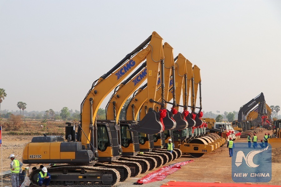 Chinese-built toll road mobilizes trade, economy in Ethiopia
