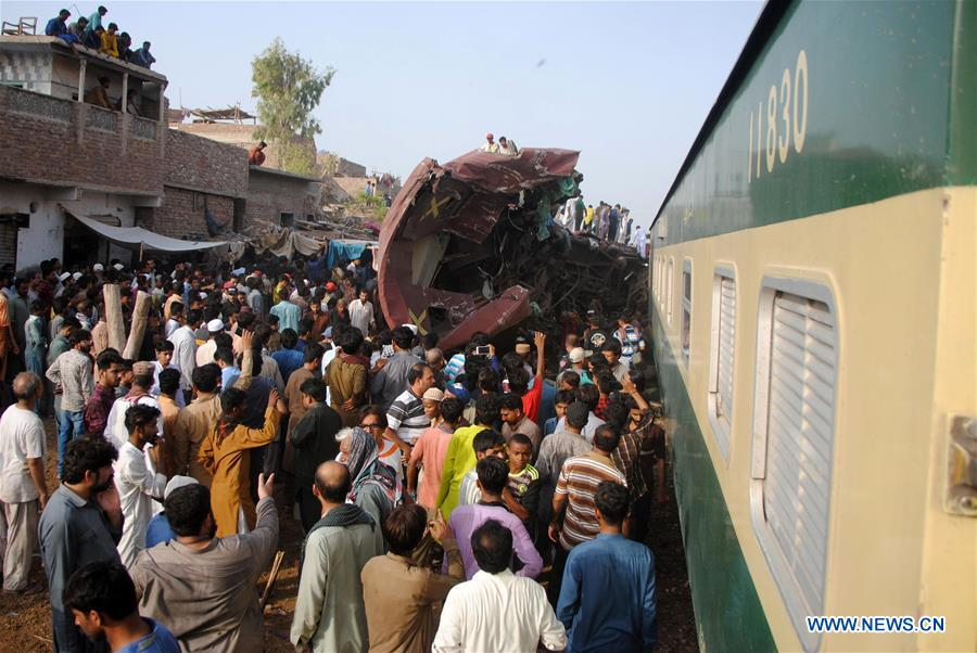 3 killed, multiple injured in train collision in S  Pakistan