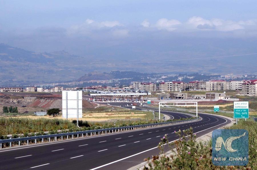 Prentresultaat vir Chinese-built 220-km toll road