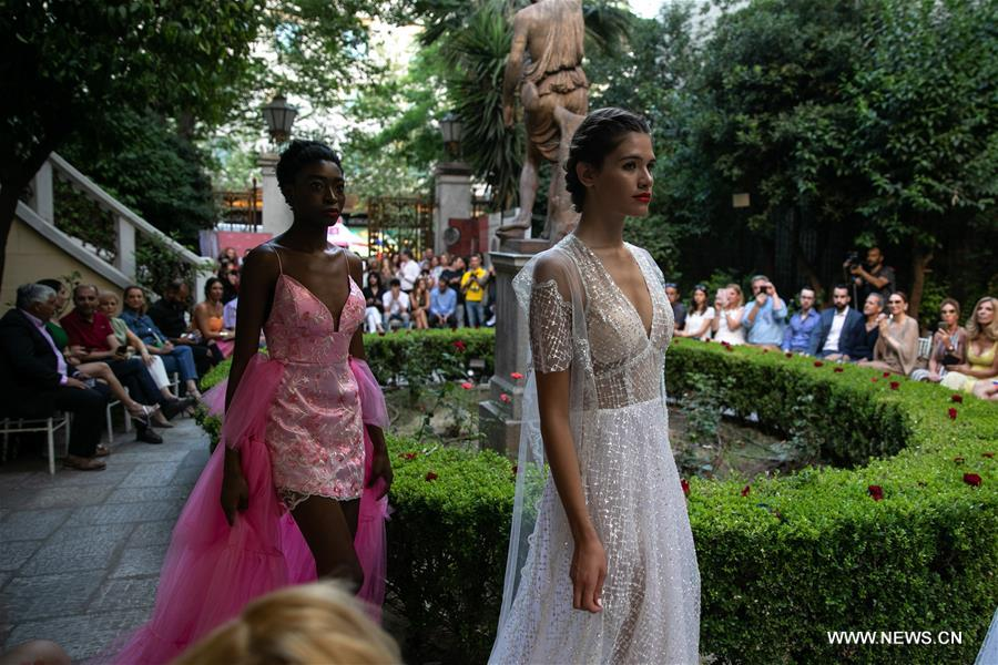 Greek Fashion Designer Presents Collection Inspired By Aphrodite De Milo Xinhua English News Cn