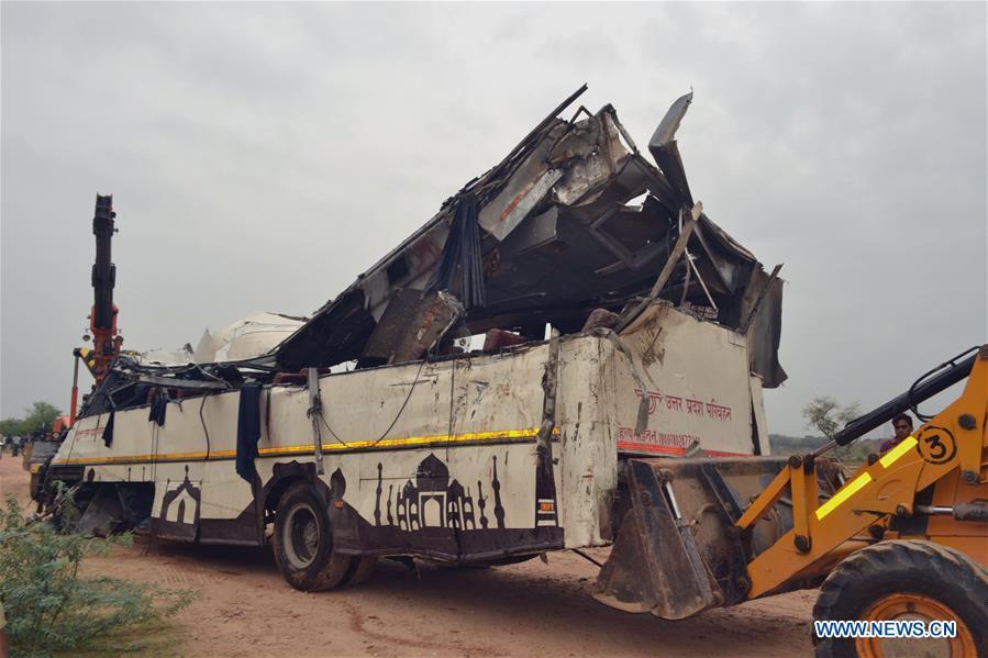 印度 -  AGRA-BUS事故