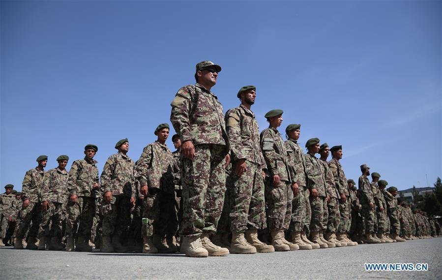 阿富汗 - 喀布尔 - 军队毕业典礼