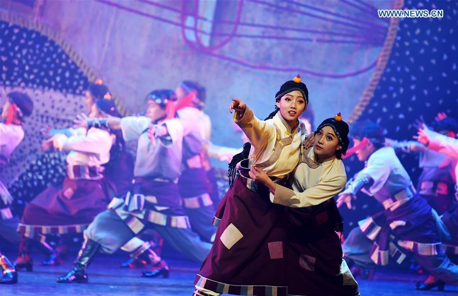 CHINA-GANSU-GANNAN-DANCE PERFORMANCE (CN)