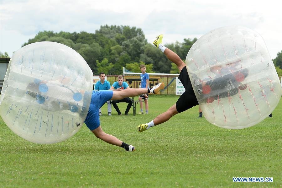 (SP) CROATIA-VRATISINEC-BUBBLE FOOTBALL