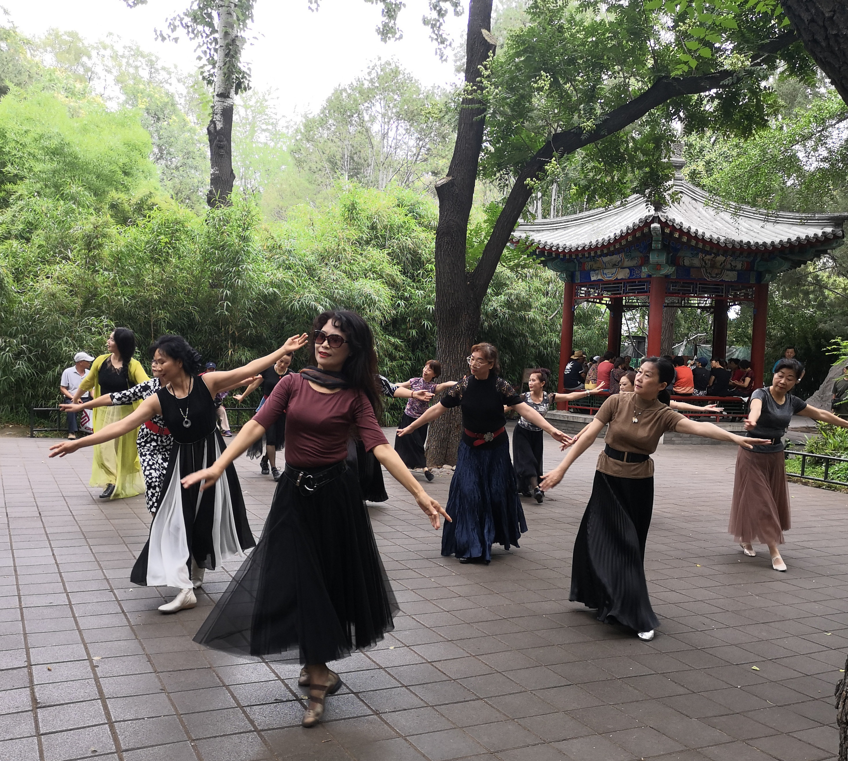 Across China: Never too old: a dancing granny's youthful dream - Xinhua | English.news.cn