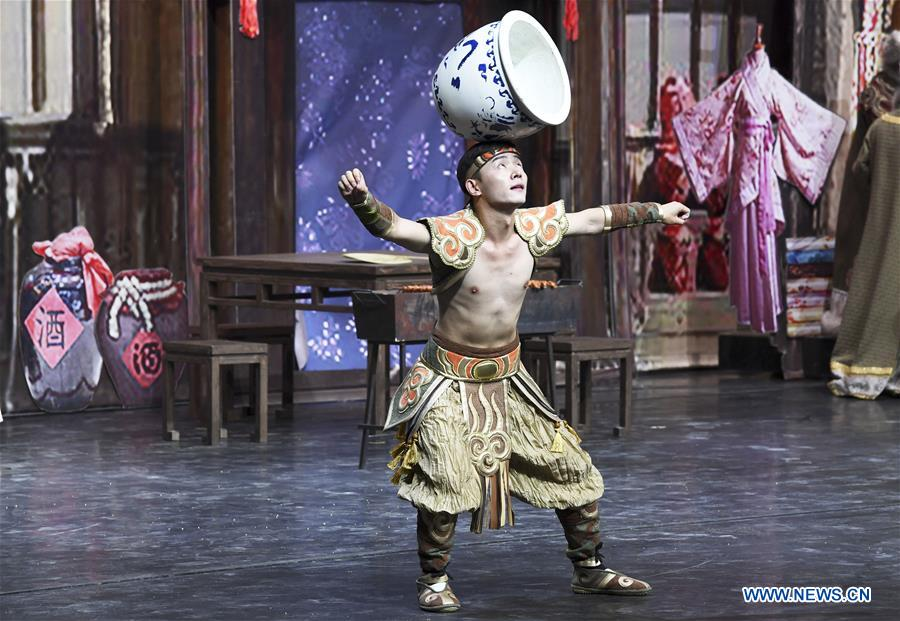 New stage drama depicting history of Zhangye debuts in China's Gansu
