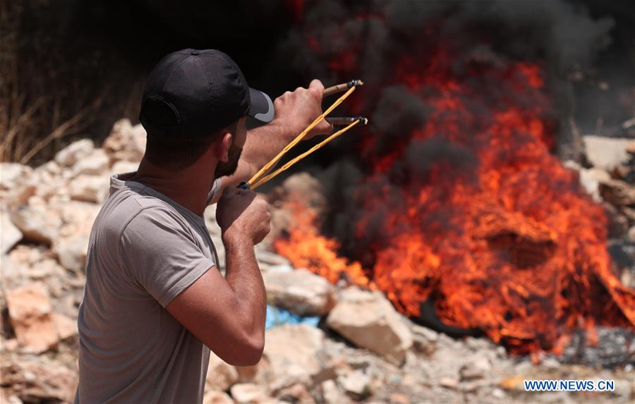 MIDEAST-WEST BANK-NABLUS-CLASHES