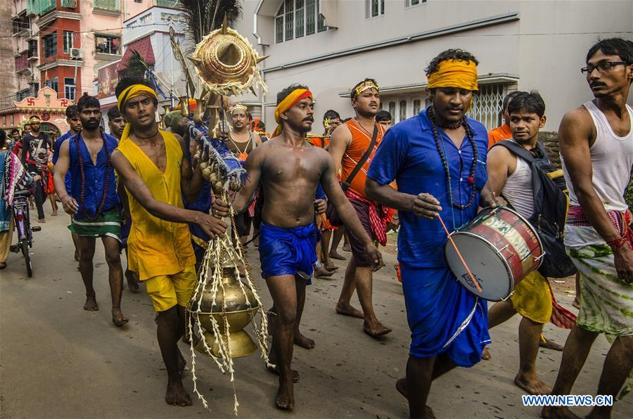 Hindu devotees take part in Shravan festivities in India