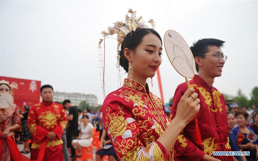 CHINA-HEBEI-HUANGHUA-GROUP WEDDING (CN)