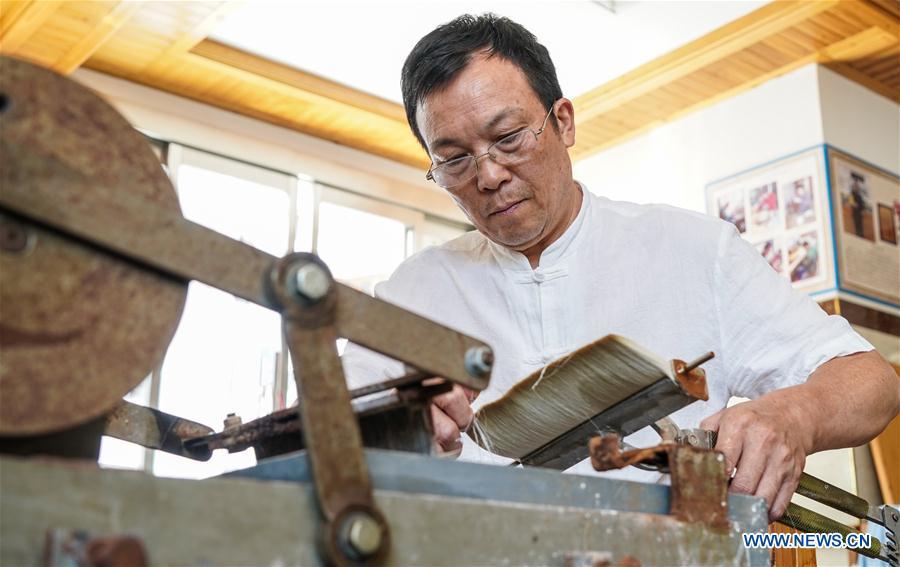 CHINA-JIANGXI-JINXIAN-BRUSH PEN-INTANGIBLE CULTURAL HERITAGE (CN)