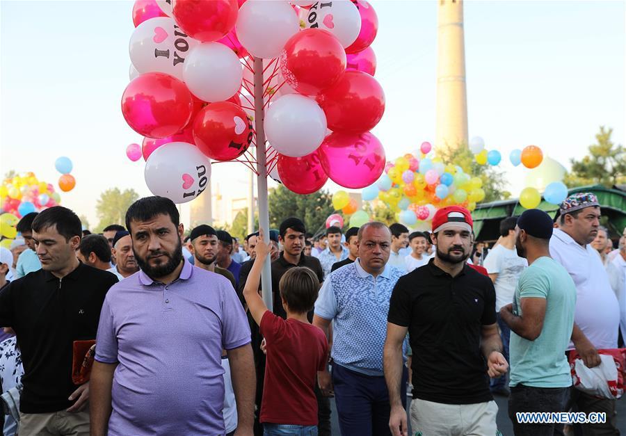 乌兹别克斯坦塔什干 - 开斋节古尔邦节