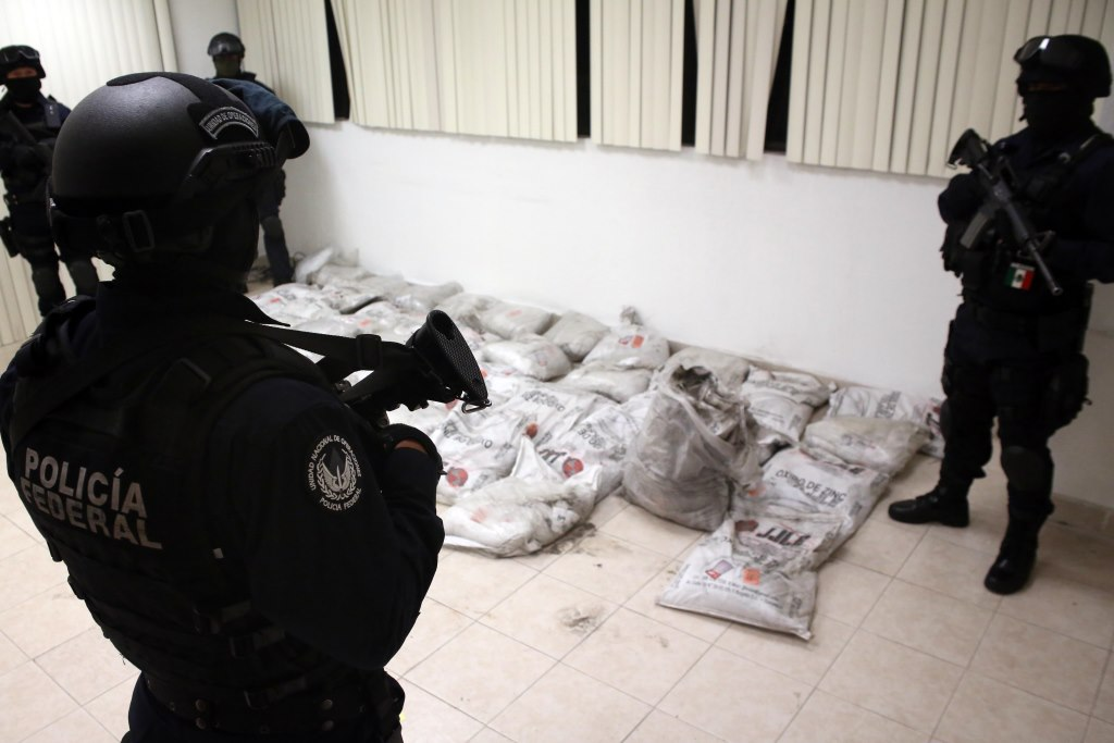 Mexican marines seize 1.2 tons of cocaine - Xinhua | English.news.cn