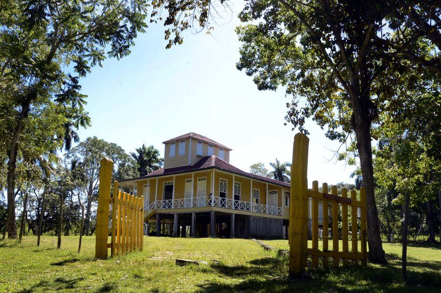 Cuban hamlet safeguards Castro family's legacy - Xinhua | English.news.cn