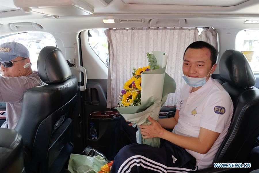 CHINA-HONG KONG-INJURED REPORTER-RESIDENTS-VISIT (CN)