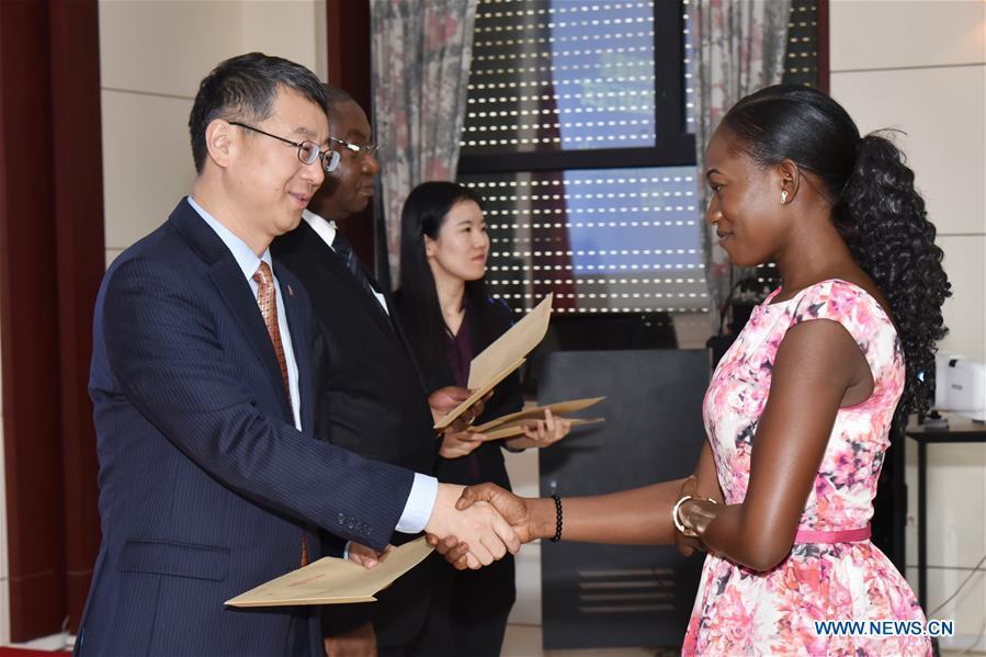 喀麥隆 - 中國 - 教育合作