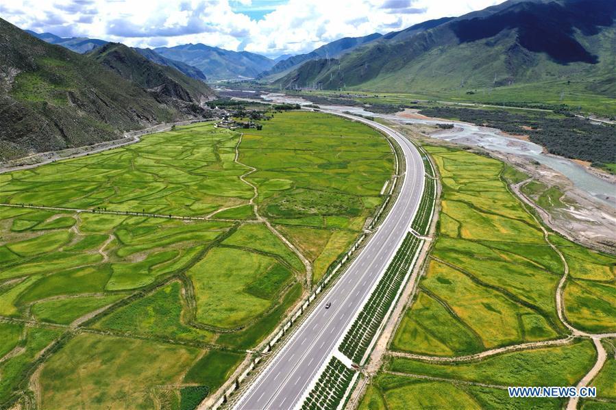 CHINA-TIBET-HIGHWAY-SCENERY (CN)