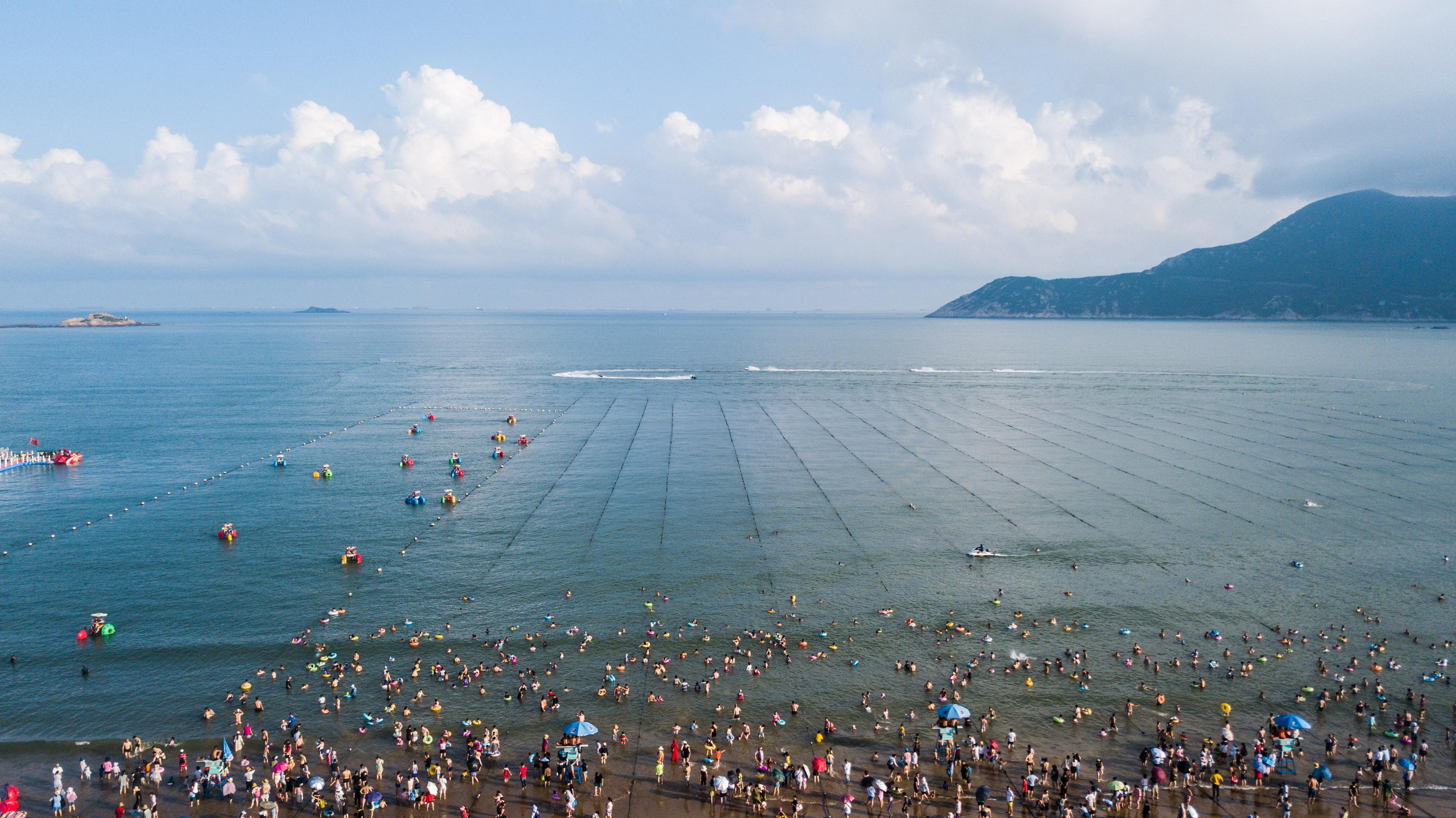 A tourism boom in Zhujiajian - Xinhua | English.news.cn