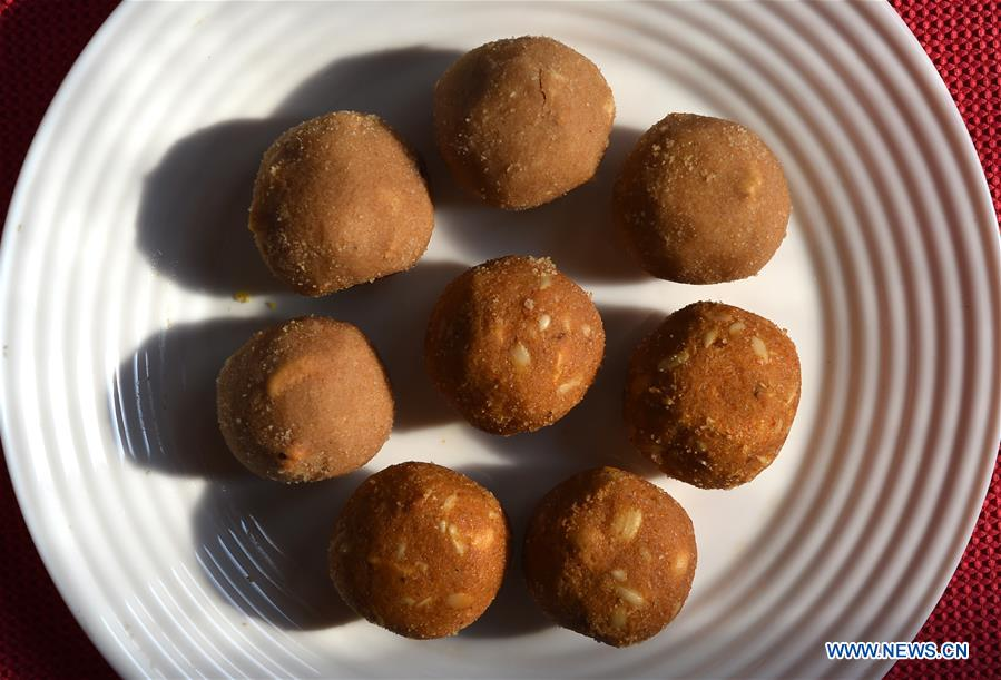 INDIA-NEW DELHI-DESSERT-LADOO