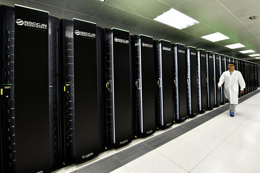 Xinhua Headlines: China's booming computer industry a bigger