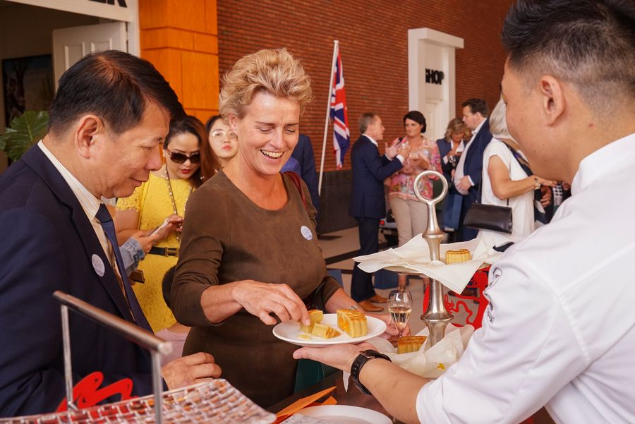 Enjoy authentic Huaiyang cuisine in the Netherlands - Xinhua   English.news.cn